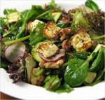 Салат с печеной фетой и грецкими орехами