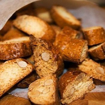 Печиво кантучі з мигдалем