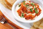 Куряче стегно в томатно-йогуртовому соусі