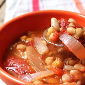 Тосканський суп зі свіжою оливковою олією