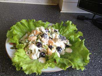 Курячий салат з авокадо і виноградом
