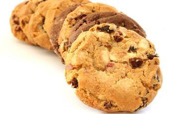 Яблучне печиво з горіхами, родзинками і спеціями