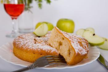 Яблоки в суфле из манной крупы