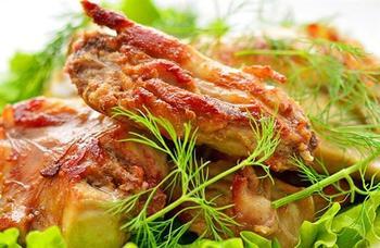 Кролик под винным соусом по-гречески