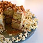 Торт з попкорном
