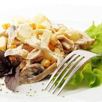 Салат з курки з картоплею
