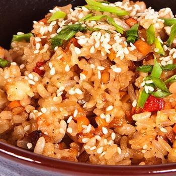 Тяхан (жареный рис с курицей)