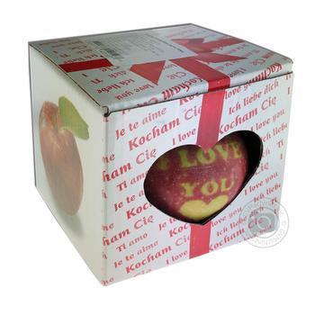 Яблоко в упаковке