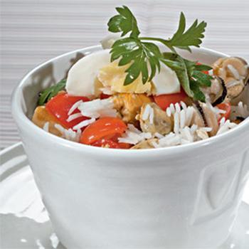 Салат з рисом і мідіями