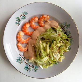 Салат з пекінською капустою і креветками