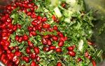 Салат из сельдерея, петрушки и граната
