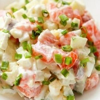 Французский салат с рыбкой
