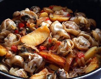 Печеня чучвара (з пельменями)