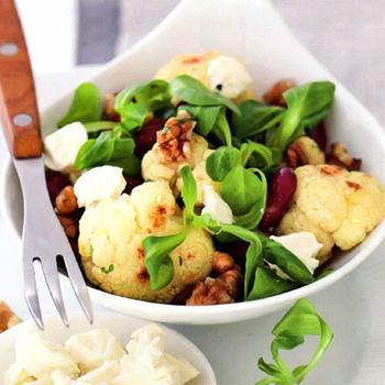 Теплый салат с цветной капустой