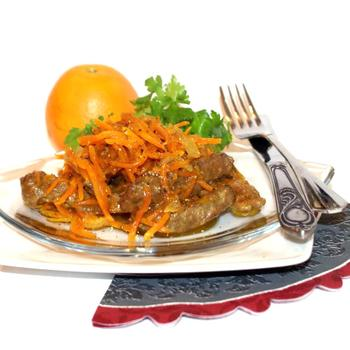 Говяжья печень с морковью и апельсином