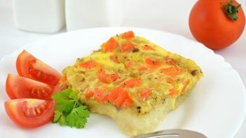 Риба, запечена з морквою і цибулею