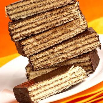Шоколадно-вафельний торт