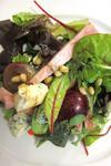 Салат из винограда, сыра и ветчины