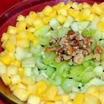 Салат из яблок с ананасами и сельдереем