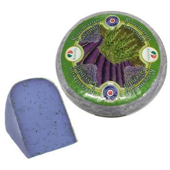 Сыр Ruscello Гауда с лавандой 50% весовой