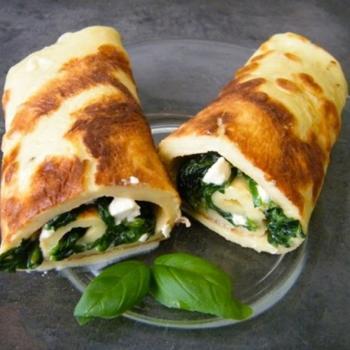 Блинчики со шпинатом и четырьмя сырами