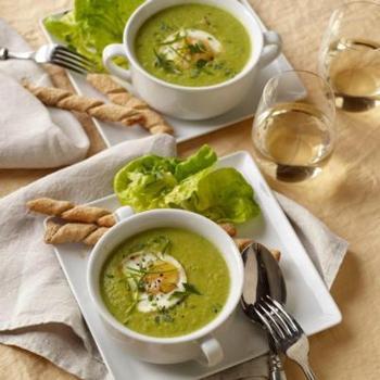 Угорський суп-пюре зі шпинату з вершками