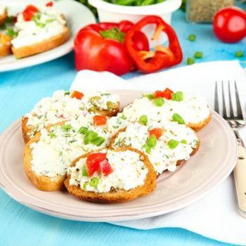 Сирно-овочевий салат