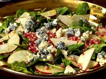 Салат з гранатом, шпинатом і блакитним сиром