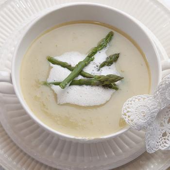Суп-пюре из телятины со спаржей и шпинатом