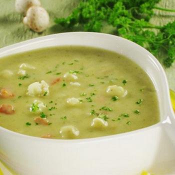 Суп-пюре с кабачками и цветной капустой