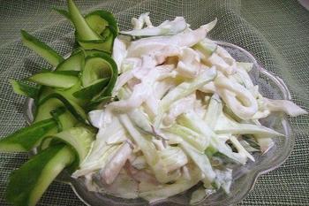 Салат из кальмаров со свежими огурцами