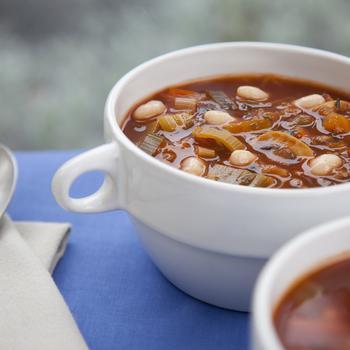 Зимний суп с фасолью