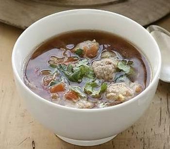 Китайський суп з фрикадельками і деревними грибами