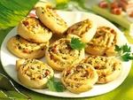Сырные улитки с салом и зеленью