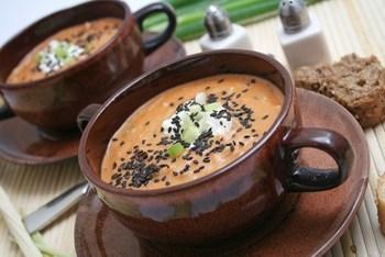 Лососевый суп с кунжутом