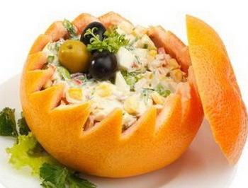 Салат в апельсині