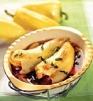 Перцы, фаршированные фруктами