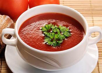 Томатный крем-суп с базиликом