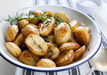 Запашна молода картопелька
