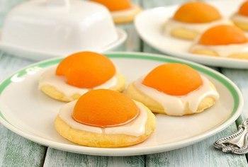 Печенье с абрикосами и лимонной глазурью