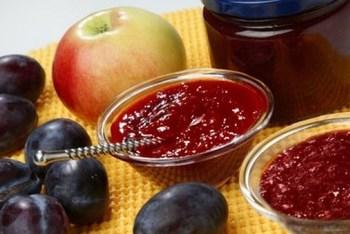 Сливово-яблучне варення