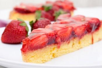 Полуничний пиріг з желе