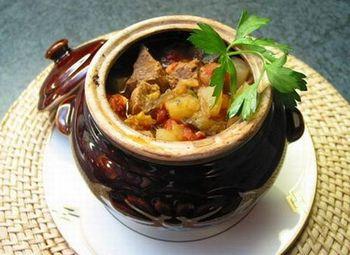 Суп у горщиках я м'ясом і овочами