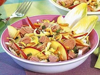 Салат з тунцем і цикорієм
